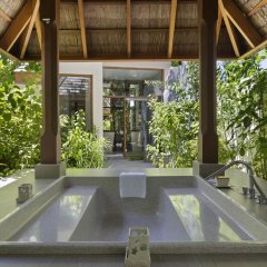 Отель Conrad Maldives Rangali Island 5* Вилла с различными типами кроватей фото 3