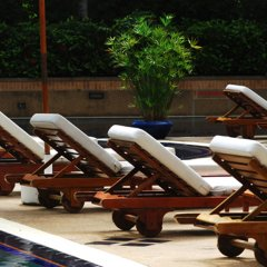 Отель Pantip Suites Sathorn Таиланд, Бангкок - 1 отзыв об отеле, цены и фото номеров - забронировать отель Pantip Suites Sathorn онлайн бассейн