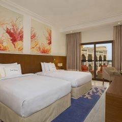 Отель DoubleTree by Hilton Resort & Spa Marjan Island комната для гостей фото 10