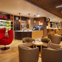 Holiday Inn Istanbul - Kadikoy Турция, Стамбул - 1 отзыв об отеле, цены и фото номеров - забронировать отель Holiday Inn Istanbul - Kadikoy онлайн гостиничный бар фото 4