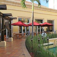 Отель Real InterContinental Tegucigalpa at Multiplaza Mall гостиничный бар