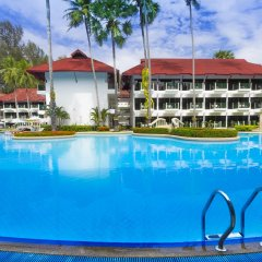Отель Amora Beach Resort Phuket бассейн фото 2