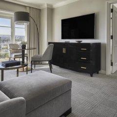 Отель Four Seasons Los Angeles at Beverly Hills 5* Люкс с одной спальней с различными типами кроватей