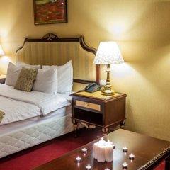 Гостиница Мандарин Москва 4* Номер Бизнес с двуспальной кроватью