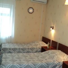 Гостиница Спутник 2* Номер Эконом с 2 отдельными кроватями (общая ванная комната) фото 2