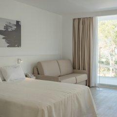 Els Pins Hotel 4* Стандартный семейный номер с различными типами кроватей фото 6