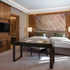 Отель Grand Hotel Kempinski Riga Латвия, Рига - 2 отзыва об отеле, цены и фото номеров - забронировать отель Grand Hotel Kempinski Riga онлайн комната для гостей фото 3
