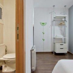 Отель Hostal Nitzs Bcn Испания, Барселона - 1 отзыв об отеле, цены и фото номеров - забронировать отель Hostal Nitzs Bcn онлайн ванная