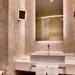 Holiday Inn Istanbul - Kadikoy Турция, Стамбул - 1 отзыв об отеле, цены и фото номеров - забронировать отель Holiday Inn Istanbul - Kadikoy онлайн ванная фото 2