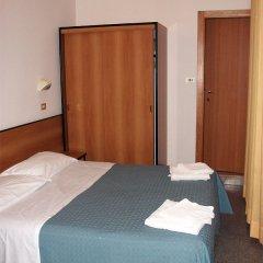 Отель Half Moon комната для гостей