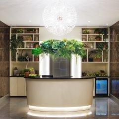 Отель Grand Hotel Kempinski Riga Латвия, Рига - 2 отзыва об отеле, цены и фото номеров - забронировать отель Grand Hotel Kempinski Riga онлайн интерьер отеля фото 2