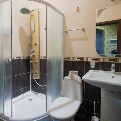 Отель Rymarska ApartHotel Харьков ванная фото 5