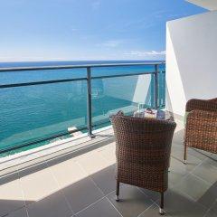 Отель Vidamar Resort Madeira - Half Board Only 5* Номер категории Премиум с различными типами кроватей фото 3