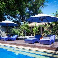 Отель Bale Sampan Bungalows бассейн фото 3