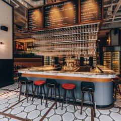 Отель BIG Hotel Сингапур, Сингапур - 1 отзыв об отеле, цены и фото номеров - забронировать отель BIG Hotel онлайн гостиничный бар фото 2