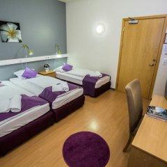 Отель The Capital-Inn Стандартный номер с различными типами кроватей фото 2