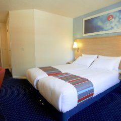 Отель Travelodge London Docklands комната для гостей фото 5