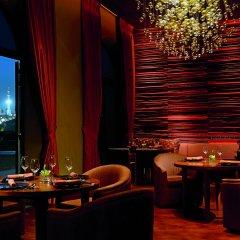 Отель The Ritz-Carlton Abu Dhabi, Grand Canal гостиничный бар