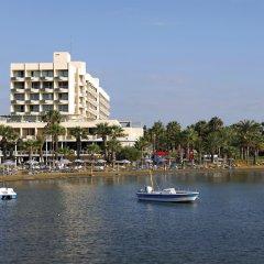 Golden Tulip Golden Bay Beach Hotel Ларнака приотельная территория