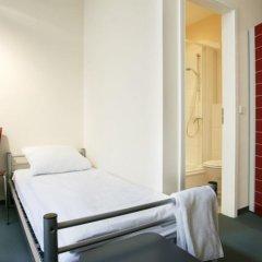 All In Hostel Стандартный номер двуспальная кровать
