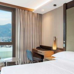 Отель Sheraton Grand Tbilisi Metechi Palace комната для гостей фото 7