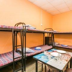 Хостел Берлога Кровать в женском общем номере с двухъярусными кроватями фото 7