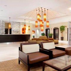 Отель Holiday Inn Express Dubai Safa Park интерьер отеля
