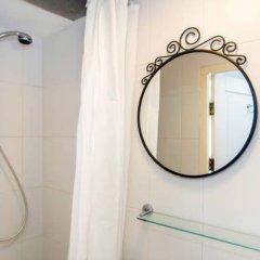 Отель Central Guest Rooms Нидерланды, Амстердам - отзывы, цены и фото номеров - забронировать отель Central Guest Rooms онлайн ванная фото 2