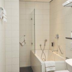 Отель Amsterdam De Roode Leeuw Нидерланды, Амстердам - 1 отзыв об отеле, цены и фото номеров - забронировать отель Amsterdam De Roode Leeuw онлайн ванная фото 3