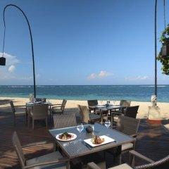 Nusa Dua Beach Hotel & Spa гостиничный бар фото 2