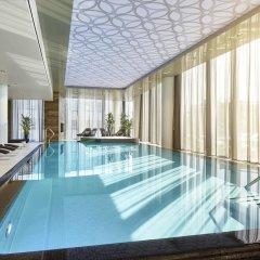 Отель Hilton Tallinn Park бассейн