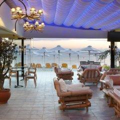 Отель Anthemus Sea Beach Hotel & Spa Греция, Ситония - 2 отзыва об отеле, цены и фото номеров - забронировать отель Anthemus Sea Beach Hotel & Spa онлайн гостиничный бар фото 2
