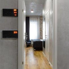 Гостиница Red Brick Семейный номер Connection с двуспальной кроватью фото 5
