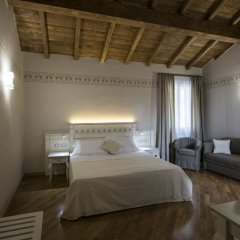 Hotel Sesmones Корнельяно Лауденсе комната для гостей фото 2