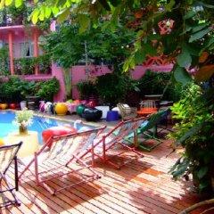 Reflections Hotel Bangkok бассейн