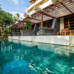 Nusa Dua Beach Hotel & Spa бассейн фото 8