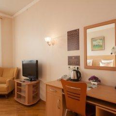 Гостиница ПолиАрт Номер Комфорт с двуспальной кроватью фото 12