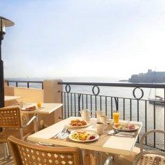 Marina Hotel Corinthia Beach Resort балкон