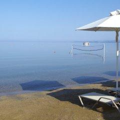 Отель Anthemus Sea Beach Hotel & Spa Греция, Ситония - 2 отзыва об отеле, цены и фото номеров - забронировать отель Anthemus Sea Beach Hotel & Spa онлайн пляж