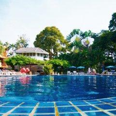 Отель Peace Resort Pattaya бассейн