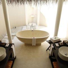 Отель Ayada Maldives 5* Вилла с различными типами кроватей фото 8