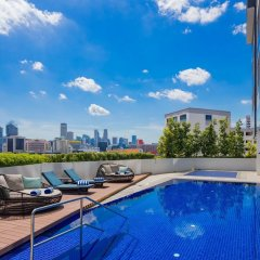 Отель Hilton Garden Inn Singapore Serangoon бассейн фото 2