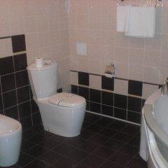 Гранд Отель Мариуполь ванная