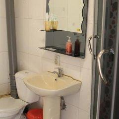 Гостиница Гостевой дом «Рио» в Уссурийске отзывы, цены и фото номеров - забронировать гостиницу Гостевой дом «Рио» онлайн Уссурийск ванная фото 2