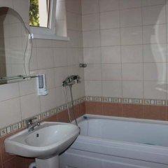 Гостиница Mirnaya Guest House в Сочи отзывы, цены и фото номеров - забронировать гостиницу Mirnaya Guest House онлайн ванная