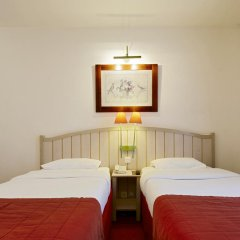 Отель Campanile Val de France 3* Стандартный номер с различными типами кроватей фото 6