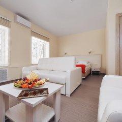 Гостиница ГЕЛИОПАРК Лесной 3* Люкс с двуспальной кроватью