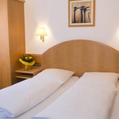 Отель Minotel Brack Garni Мюнхен комната для гостей фото 4
