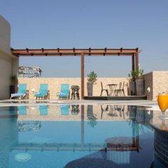 Отель Lotus бассейн