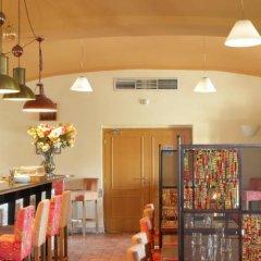 Hotel Chvalská Tvrz гостиничный бар фото 3